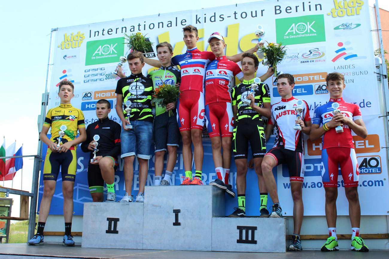 Siegerehrung U15 mit Moritz auf Platz 6