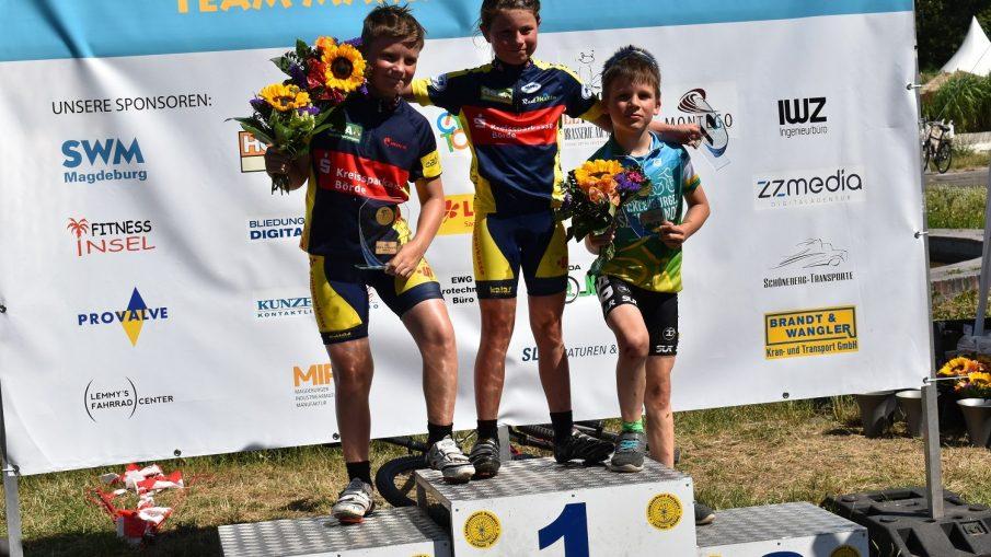 Siegerehrung U11, Edda Siegerin, Finn Platz 2